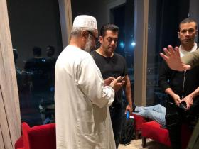 Salman Khan gets mobbed at Saudi Arabia airport as he visits the country for its 2019 film festival