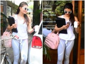Jacqueline Fernandez snapped by the paparazzi in the city