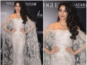 Janhvi Kapoor attends Vogue Beauty Awards 2018 in style