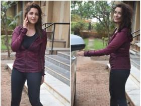 Parineeti Chopra is all smiles as she gets clicked in the city