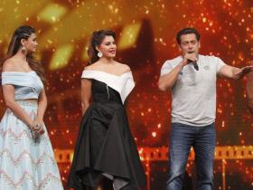 Salman Khan promotes Race 3 on DID Li'l Masters