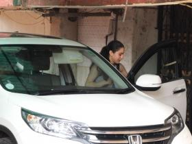 Sara Ali Khan gets spotted by the paps post gym session