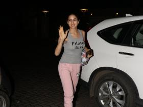Sara Ali Khan is all smiles while getting papped post yoga session