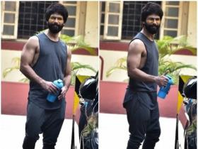 Shahid Kapoor is all smiles while getting papped outside the gym