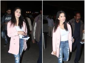 Sunny Leone snapped by the paps at the airport