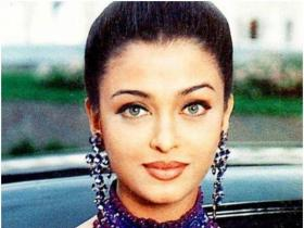 Aishwarya Rai Bachchan's beautiful throwback PHOTOS will make your jaws drop, Check them out