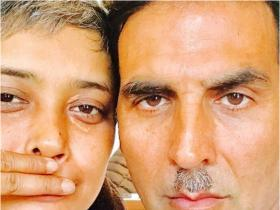 Housefull 4 superstar Akshay Kumar's social media is filled with THESE fun photos; Check them out
