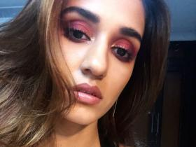 ALL the times Disha Patani made hearts skip a beat by sharing her beautiful selfies; Take a look