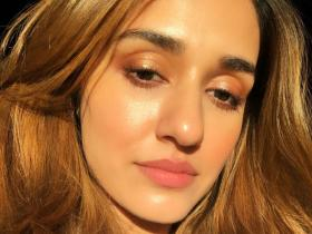 All the times Disha Patani left fans mesmerised with her sun kissed selfies
