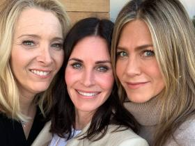 FRIENDS: Jennifer Aniston, Courteney Cox and Lisa Kudrow will make you nostalgic with THESE photos