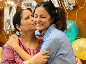 Hina Khan's pictures with her mother are too cute to be missed; Take a look