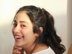 PHOTOS: 6 Times Janhvi Kapoor aced the no makeup look; Check it out