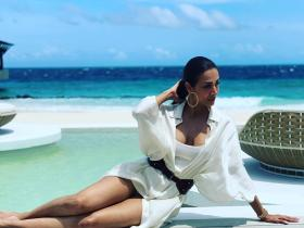 Malaika Arora's recent HOT photos from Maldives will urge you to go on a vacay; Check it out