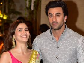 Alia Bhatt and Ranbir Kapoor: When the actress couldn't stop laughing while posing with her beau