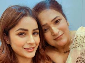 Shehnaaz Gill's endearing moments with her mother show the great bond they share with each other