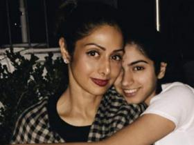 Khushi Kapoor's throwback pictures with mom Sridevi show us of her bond with the late star