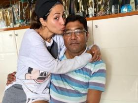 Hina Khan's Father Passes Away: Take a look at the actress' special moments with her dad in THESE PICS