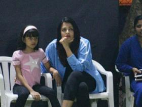 When Aishwarya Rai Bachchan and Aaradhya cheered for Abhishek Bachchan during a football match