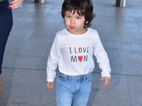 "When Taimur Ali Khan wore a tee that said ""I Love Mom"" and nailed the airport look; See PHOTOS"