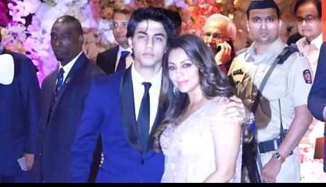 Aryan Khan looked like Shah Rukh Khan's spitting image as he attended an event with Gauri Khan