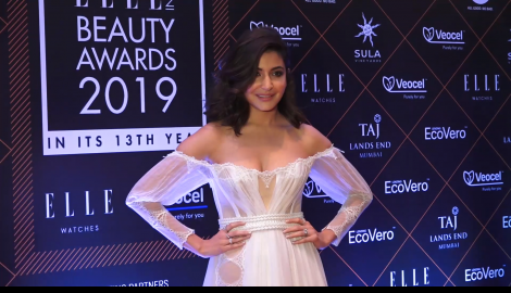 Kareena Kapoor Khan, Anushka Sharma and others slay on the red carpet at Elle Beauty Awards 2019