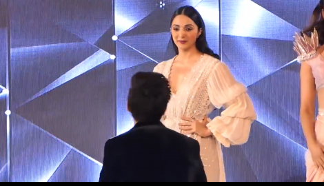 Any guesses who is THIS actor walking down the ramp with Kiara Advani?