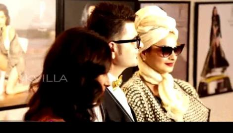 Ultimate glam queen Rekha stuns at Dabboo Ratnani's 2017 Calendar launch