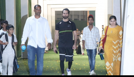 Shahid Kapoor gets snapped leaving the nets after practising cricket for Jersey