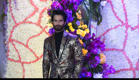 Shahid Kapoor looks dapper in a metallic blazer at Devansh Barjatya's reception