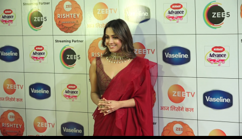 Anita Hassanandani, Ridhima Pandit, Karan Wahi and others attend an award show
