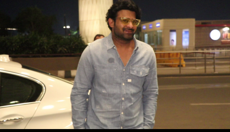 Prabhas and Anushka Shetty makes a dapper appreance at the airport