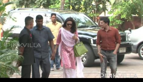 Vidya Balan and Preity Zinta attend Shilpa Shetty's father's chautha ceremony!