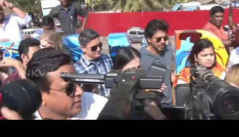 Spotted! Shah Rukh Khan at an sculpture inauguration event