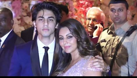 srk son, aryan khan, gauri khan, akash ambani shloka mehta engagement